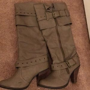 Under the knee gray buckle boots